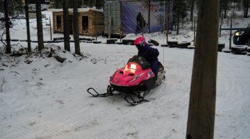 Moto de nieve infantil