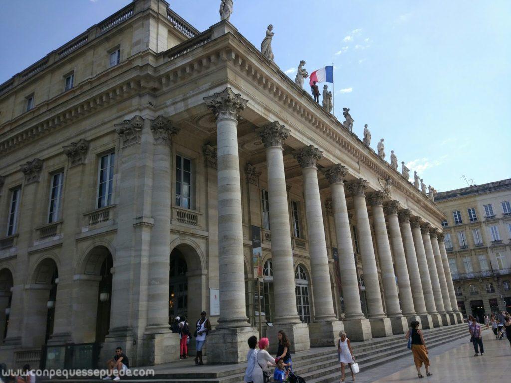 Gran teatro de Bordaux. Entrada principal