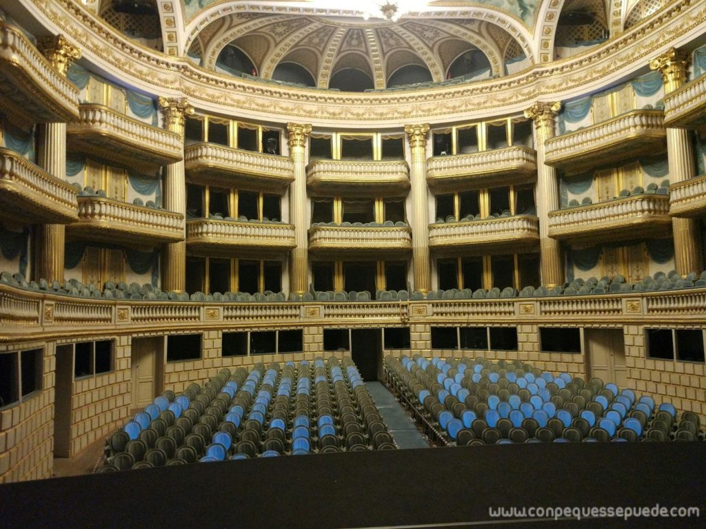 Interior del teatro de Bordeaux