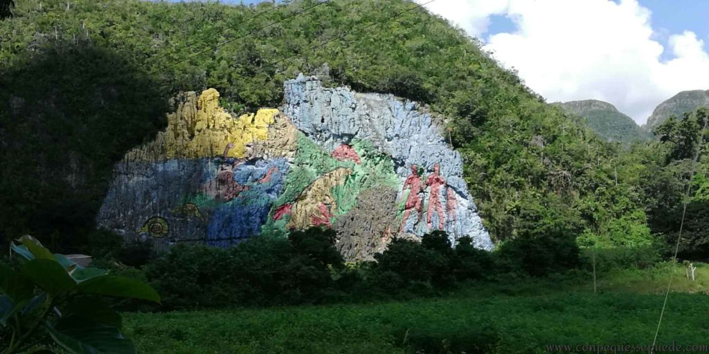El mural de la prehistoria cerca de Viñales