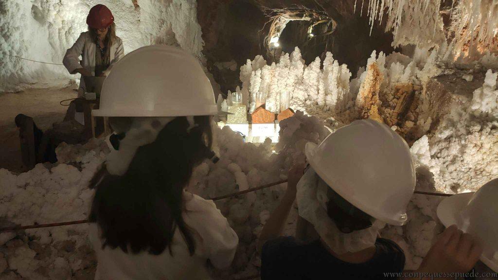 Visitando Cardona en Familia aprenderemos muchas cosas sobre la sal!