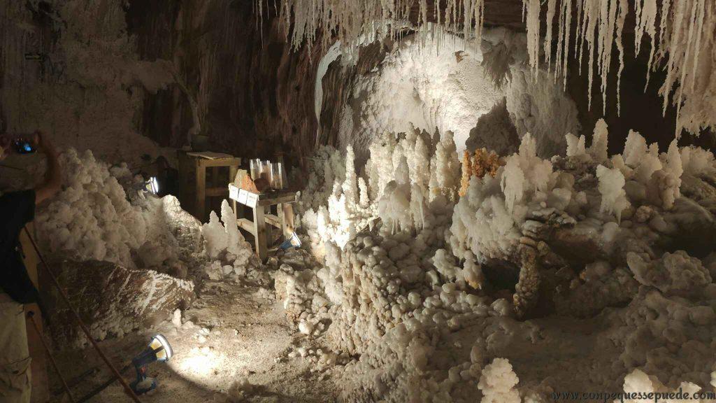 Las formas que se hacen dentro de la montaña de sal son increíbles