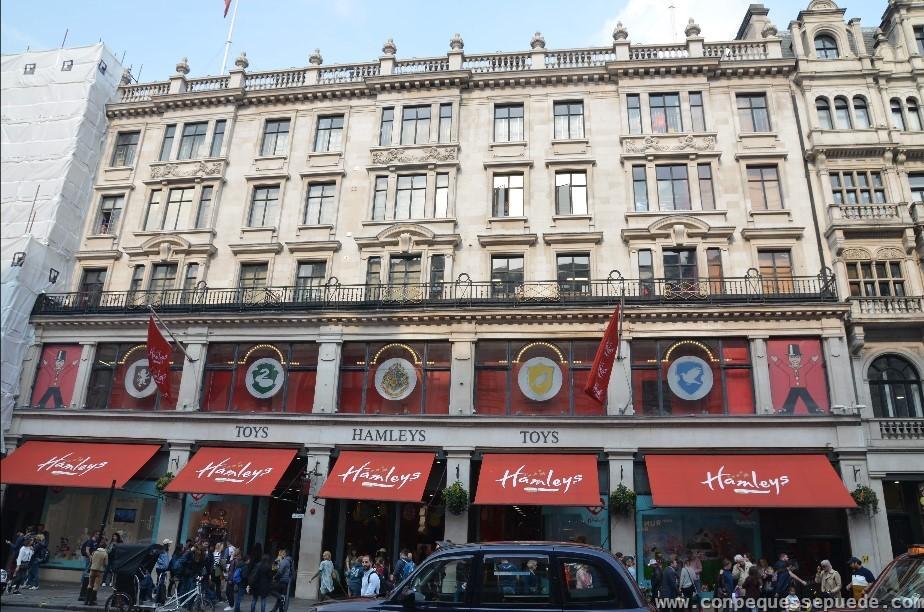 Edificio de la tienda Hamleys, la juguetería más grande del mundo.