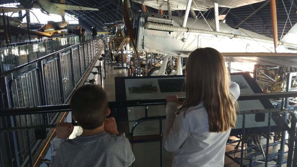 La zona de la historia de la aviación del museo de ciencia